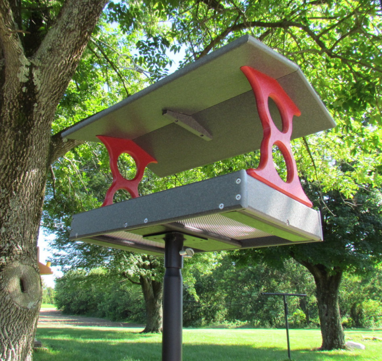 Recycled Poly Fly-Through Feeder Large Red/Gray