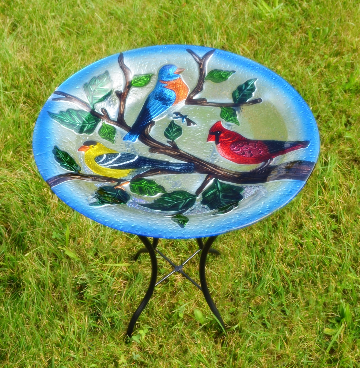 Embossed Songbird Trio Glass Birdbath w/Stand