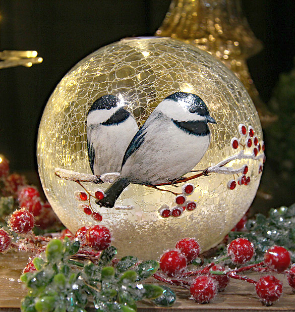 Crackle Glass LED Globe 7-Inch Chickadee