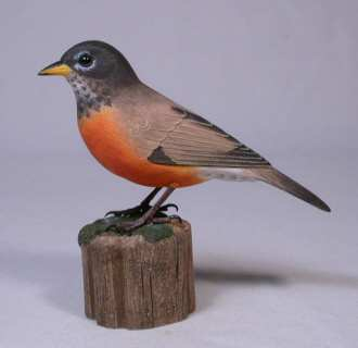 Carved American Robin 5