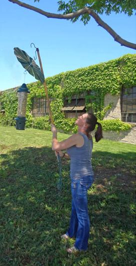 Erva Uplifter Broom Handle Hook
